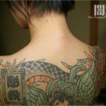 刺青&タトゥーが入った極道の姉さんが卑猥なポーズしてる画像から目が離せない[54枚]