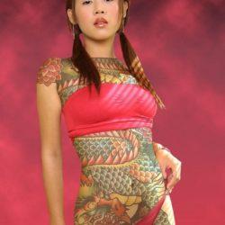 刺青入りの極道女房が卑猥なボディを見せてくれる画像見ようぜ[54枚]
