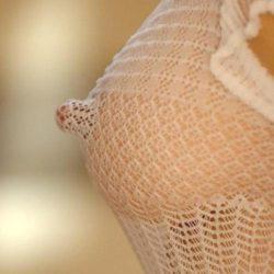 ピンクや黒、いろんな乳首の女がエロい体見せてくれる画像、一見の価値あり[38枚]