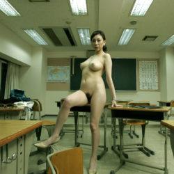 """<span class=""""title"""">エッチ好きそうなビッチ先生が教室で男を誘惑してる画像をじっくり楽しむスレ[32枚]</span>"""