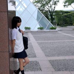 エロいカラダした女子高コス娘が制服姿でHな事してる画像、一見の価値あり[27枚]