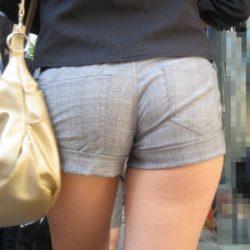 結構可愛い美女がホットパンツで卑猥な尻で誘惑してくる画像をどうぞ[37枚]