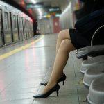 結構可愛い美女がピンヒールでエロい美脚を見せてくれる画像をどうぞ[46枚]