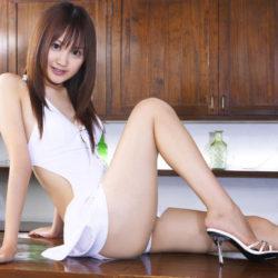 色気のあるJKコス美女がミニスカートミニスカ制服でエロい脚のラインを強調してる画像のお気入りをうp[43枚]