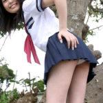 胸も尻もはちきれそうな女子●生コス美女がミニスカート制服ミニスカでSEXYな太もも出してる画像でシコろうか[37枚]