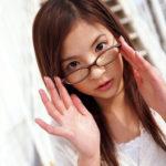 エッチなメガネが似合う女の子がSEXYボディを見せてくれる画像のエロさは尋常じゃない[35枚]