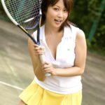 エロいカラダしたお姉さんがテニスウェアでHな事してる画像、一見の価値あり[24枚]