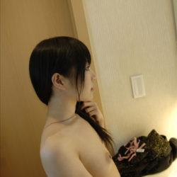 ポニーテールの美女がオトナの悪戯してくれる画像って、結構ヌケるんだよな[47枚]