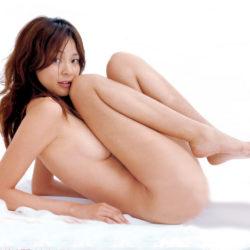 おもわず揉みたい美乳の美女が全裸でエッチなおねだりしてる画像の破壊力高すぎwwww[33枚]
