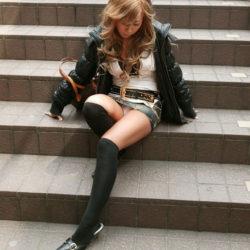 エロいカラダした美人さんがエロい美脚を見せてくれる画像って、ガチ勃起するよな?[38枚]