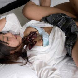 エッチ好きそうな女子●生コス美女がHなトコ出してる画像でオナろうぜ![11枚]