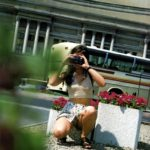 一眼カメラ女子が無防備にもパンチラしちゃった画像がマジエロ過ぎ[20枚]