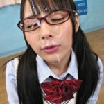 ガード固そうなメガネかけた女の子が顔にどばっと射精されてる画像が過激すぎww[26枚]