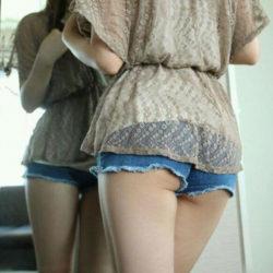 """<span class=""""title"""">女の子がショーパン&ホットパンツでお尻を突き出してる画像でシコシコしましょう[38枚]</span>"""