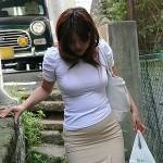 結構可愛い人妻が着衣でメチャ淫乱になってる画像の素晴らしさを実感するスレ[15枚]